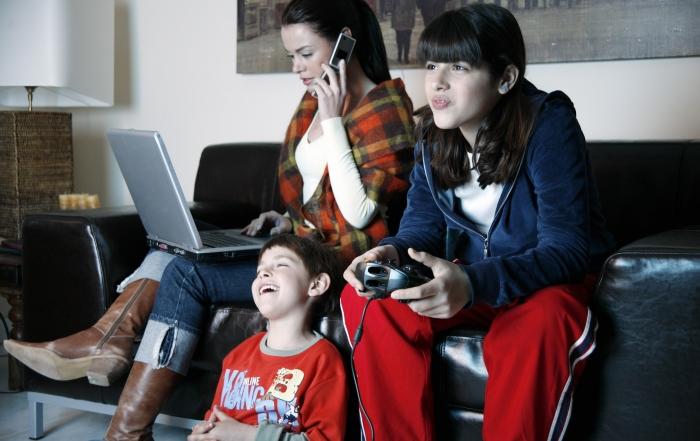 «Wenn die Mediennutzung von Jugendlichen zum Problem wird» Interview mit dem Jugendberater Marcel Küng